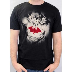 CAMISETA BATMAN NEGRA CON LOGO ROJO HALO LIGHT